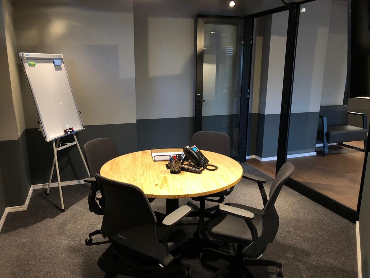 Sala de reunião em Campinas 4 pessoas